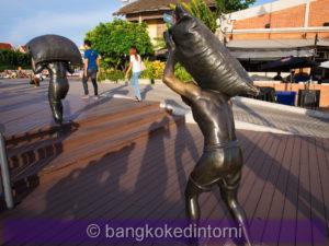 Statua in bronzo a memoria degli scaricatori dell'East Asiatic Company (3)
