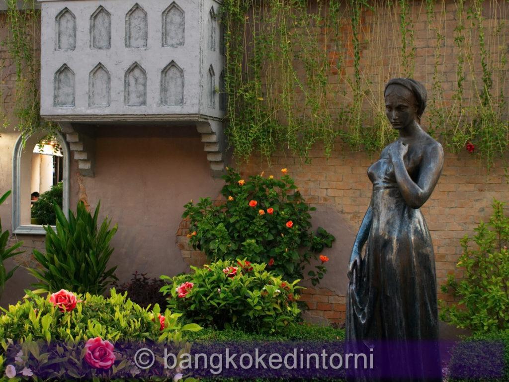 Statua di Giulietta all'Asiatique