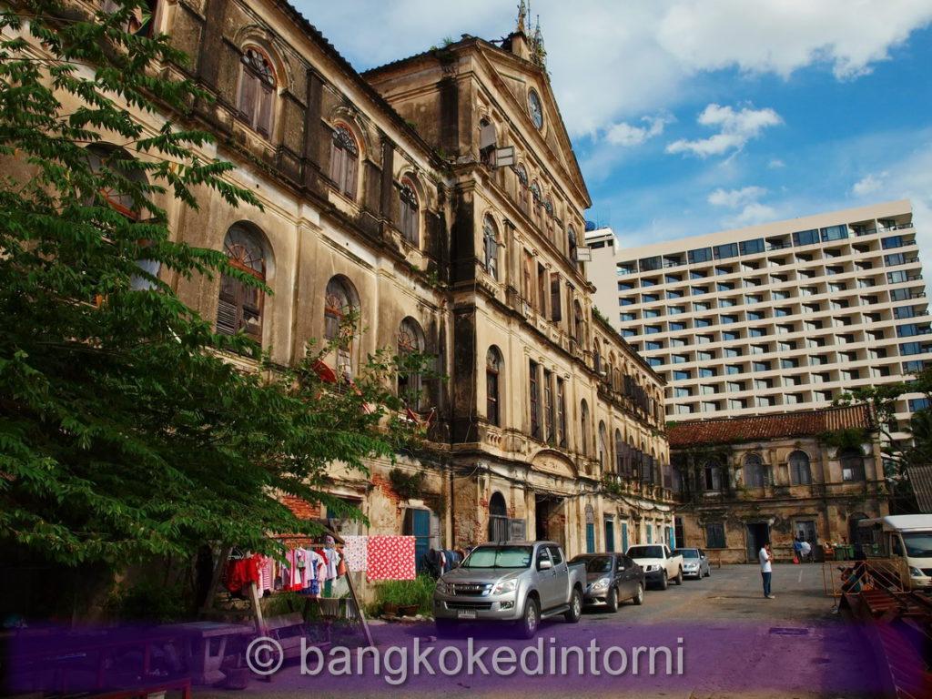 Edificio centrale della vecchia dogana di Bangkok