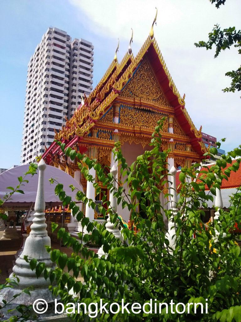Facciata sud del Wat Sri Boon Ruang