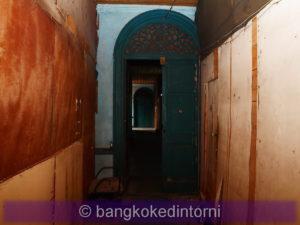 Uno dei mille corridoi interni